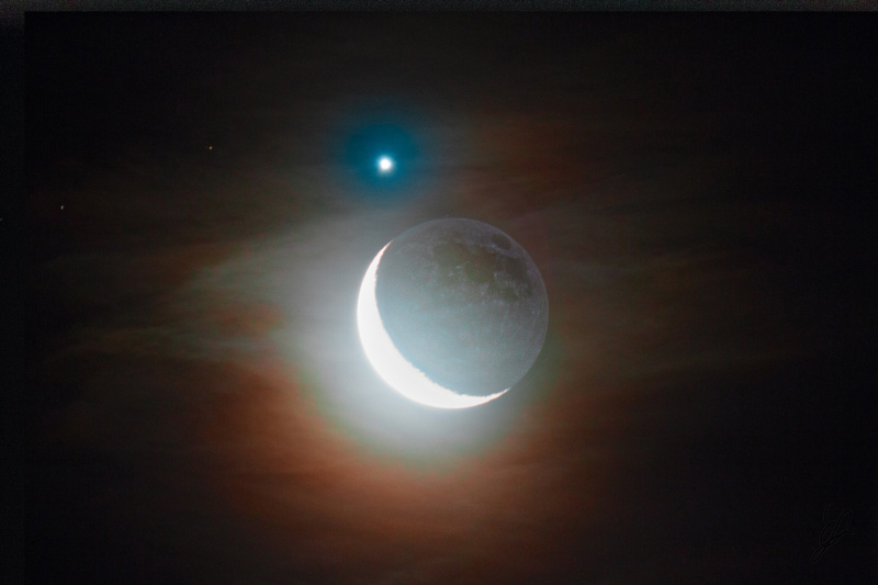 Moon and Venus adjusting clouds