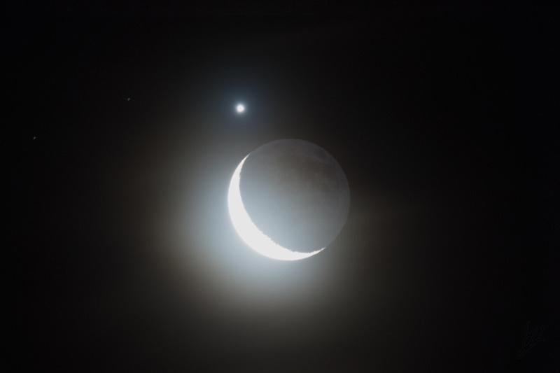 Moon and Venus average
