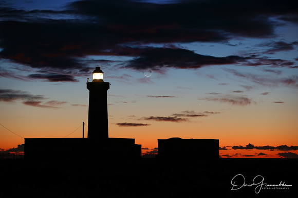 Moon Jupiter and Venus Conjunction Behind The Plemmirio Lighthouse 3